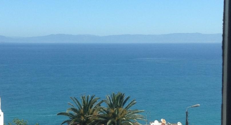 Rare.Dans le quartier recherché de Marshan, très belle villa, sur 767m2 de terrain, vue mer, jardin clos.
