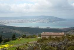 Vue exceptionnelle sur Tanger, maison sur 1200 m2 de terrain, maison open-space.