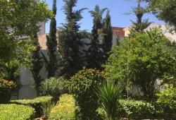 Marshan, rare, charmante maison, entièrement rénovée avec goût,prestations de qualité, sur jardin arboré, clos, sud, de 350m2