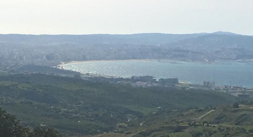 Dans le quartier recherché de Nuinuich. vue imprenable sur Tanger.