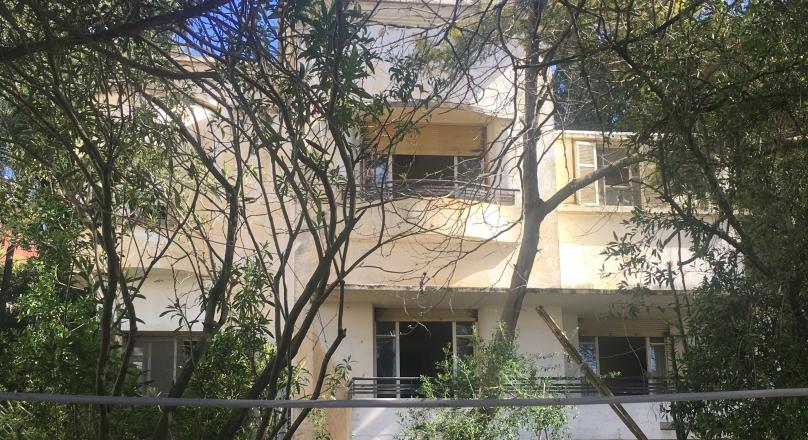 Tanger, rare, au Charf, très belle villa à rénover, année 50, sur terrain clos arboré de 1074.
