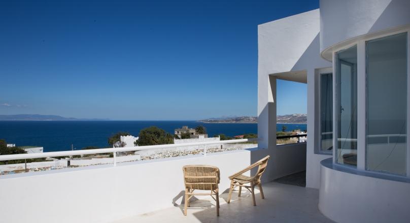 Tanger, Mashan, très belle rénovation dans quartier calme, vue sur le détroit , terrasses .