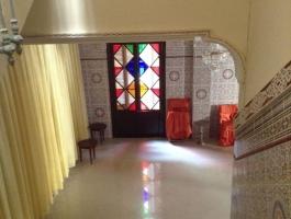à vendre, Tanger, proche de la rue de la kasbah, bâtisse ancienne, idéal , restaurée.