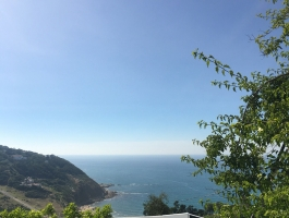 Marshan,  propriété sur 600m2 de terrain, vue imprenable sur la mer et vielle montagne, restée dans son originalité .