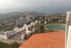 A 10 kilomètres de Tanger ... Situation exceptionnelle ! Vue sur la baie de Tanger et le détroit, villa avec piscine